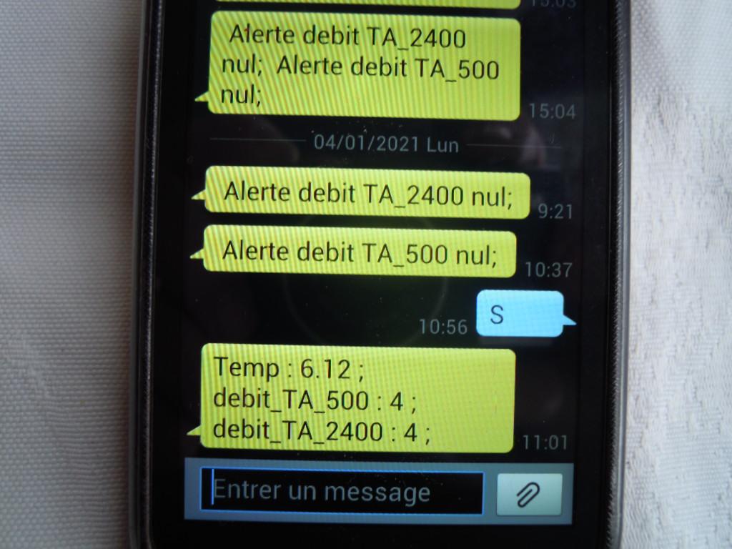 Surveillance des bassins aquaponiques : exemples de messages d'alerte et de consultation à distance du système d'alerte.