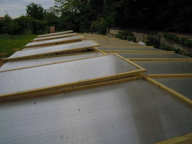 toiture de la serre avec cinq ouvrants